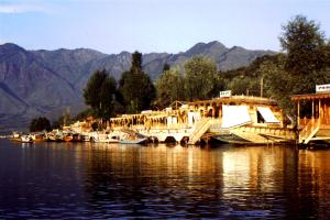 Impossibly-romantic houseboats on Dal Lake